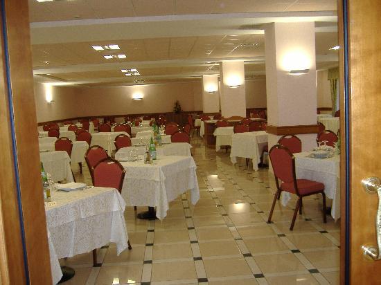 sala-ristorante hotel San Giovanni Rotondo
