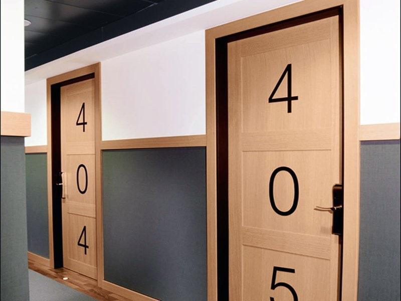 numero camera su porta